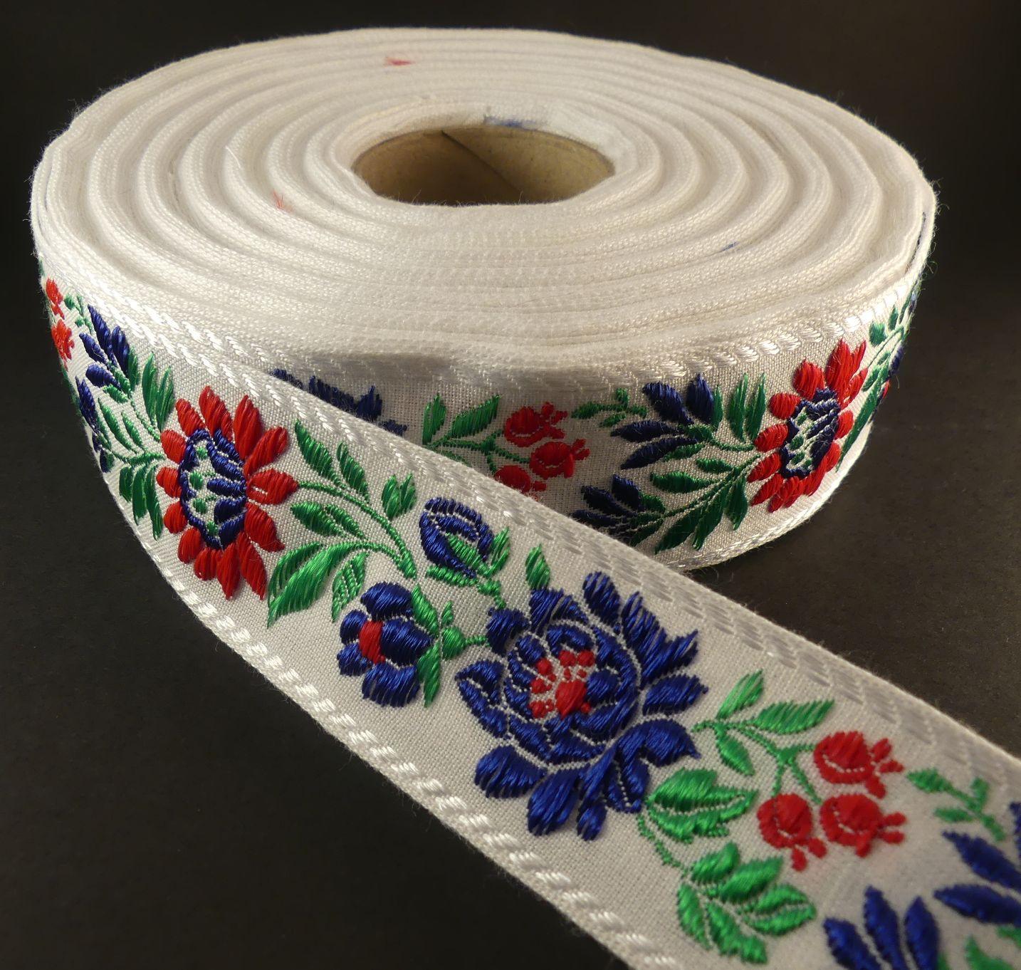 42670e430b Matyószalag, fehér alapon piros-kék virág hímzett, 38 mm, 980 Ft/ empty